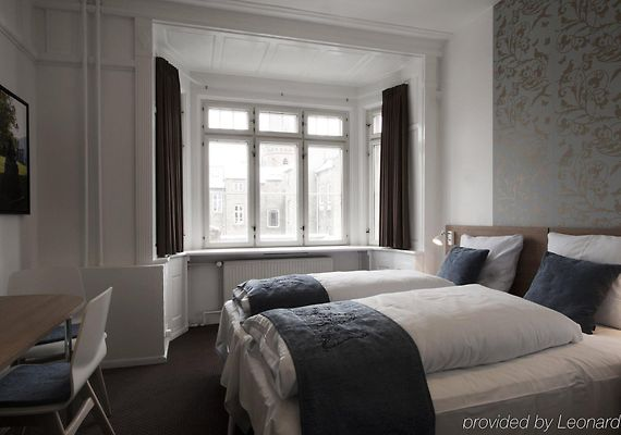 hotel savoy kopenhagen. Black Bedroom Furniture Sets. Home Design Ideas